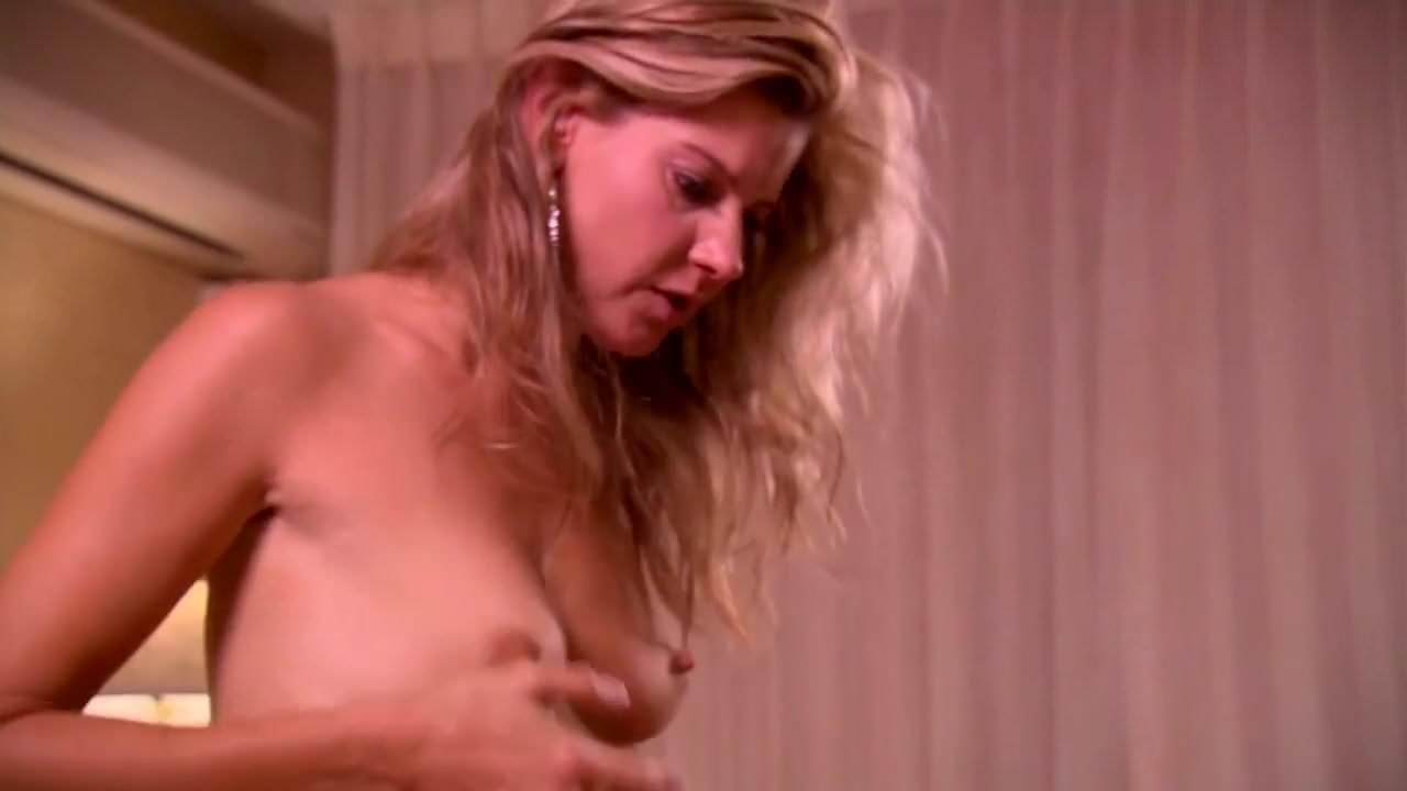 girls-gif-nude-amy-lindsay-wife-made