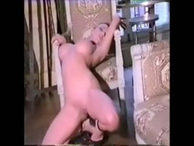 Mature nude solo exabitionist