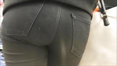 teen ass in black jean hidden cam