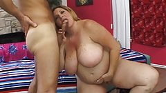 Plus-sized Deedra Rae's pussy and mouth engulf a guy's cock