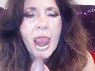 Naughty old mom with dirty talks bangs cunt and gets cum