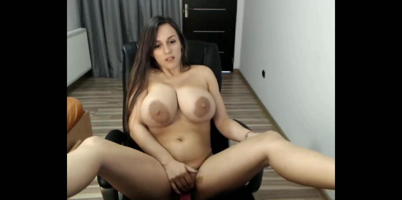 Huge boobs webcam videos-9909