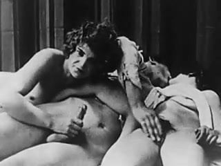 Les femmes toutes nues en vidéo