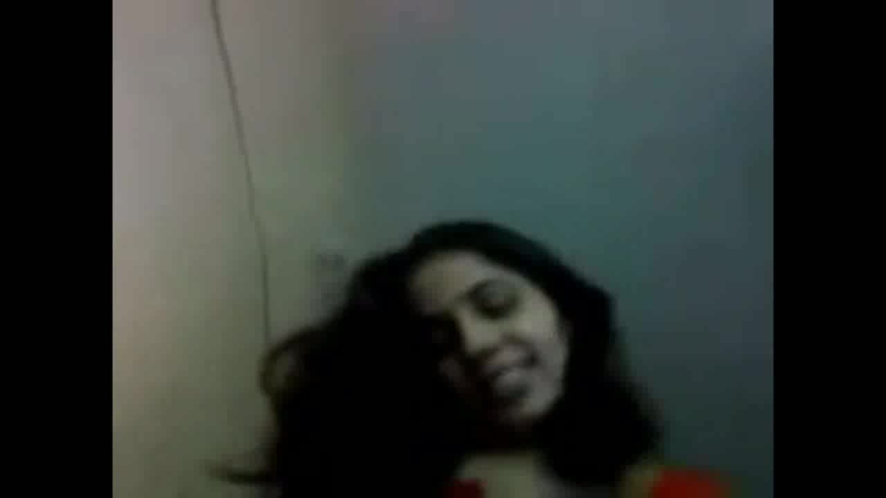 See scorching Indian spouse filming with neighbor