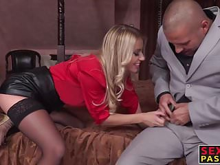 Big ass blonde bitch gets anallized by two deviants