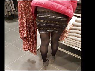 Download video bokep Shopper in shiny black opaque pantyhose Mp4 terbaru