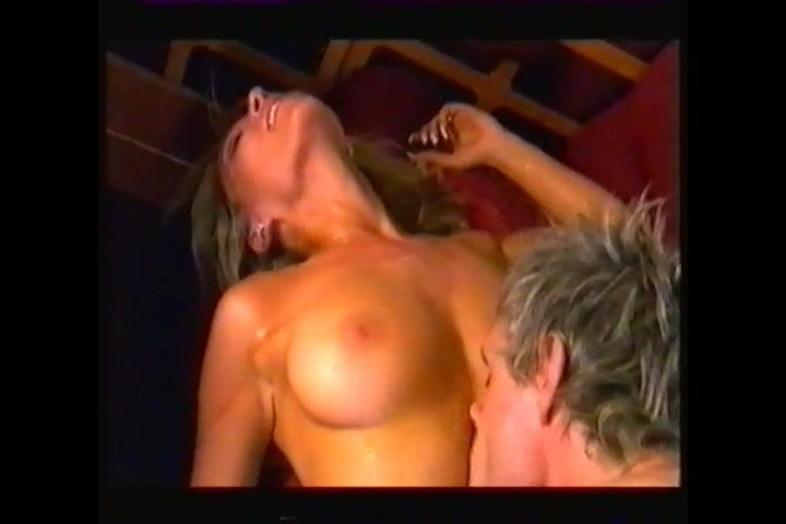 Zoe lucker plane sex video — pic 2