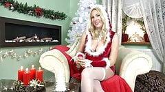 Weihnachtsfrau laesst sich ficken