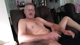 Moustache daddy jerking off