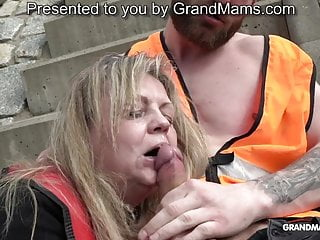 Old lady likes sucking young dicks at the construction site