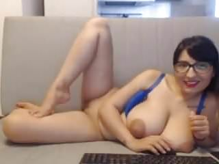 Beautiful Tits And Cameltoe Pussy Milf