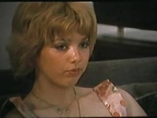 Download video bokep Marylin Jess-Diario Di Una Collegiale 1977 Scene (Gr-2) Mp4 terbaru