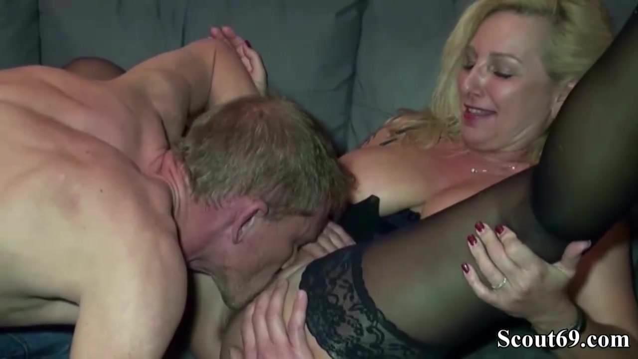 Free download & watch so leicht fickt man die milf nachbarin mit den mega titten         porn movies