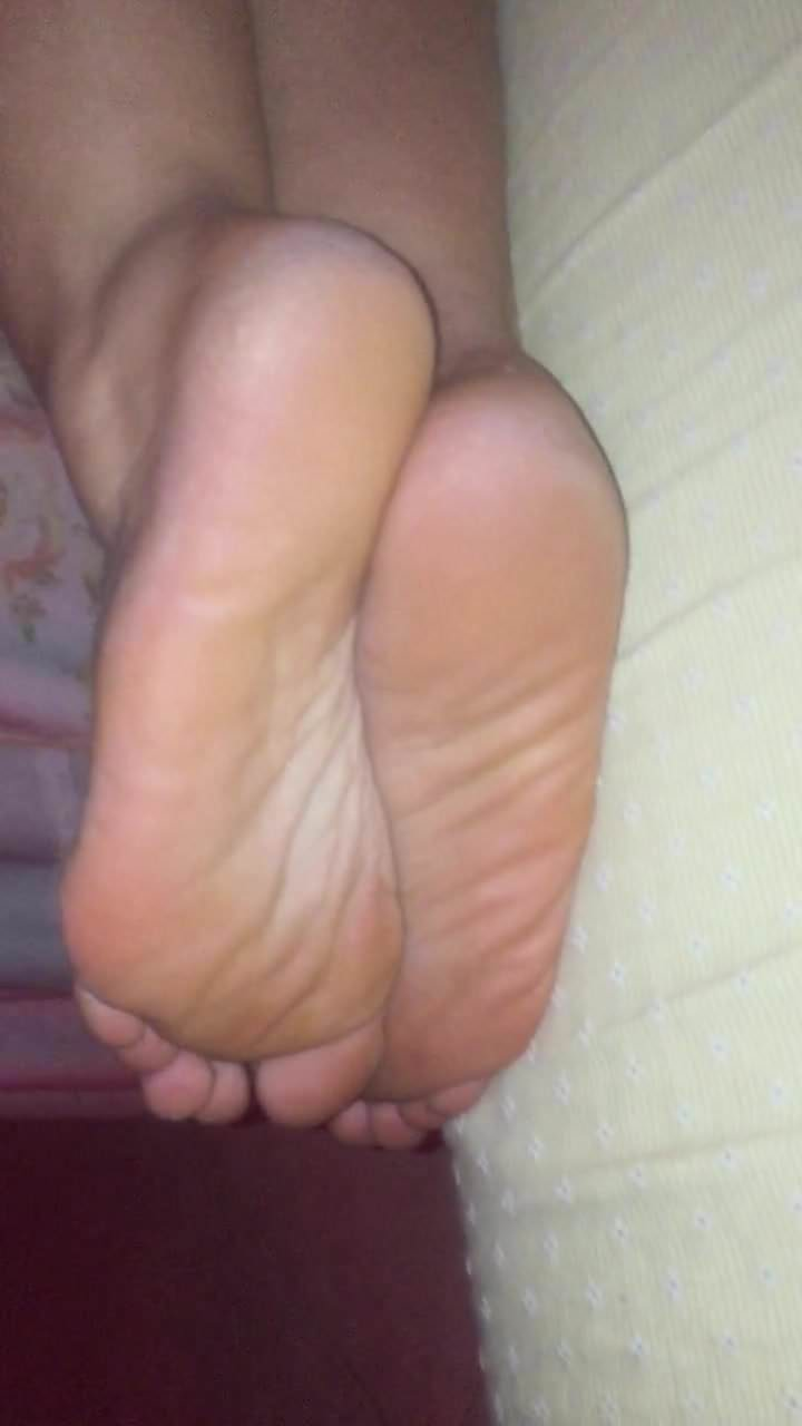 Arabic candid mature hot soles