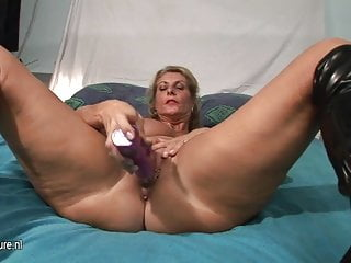 HOT Busty GILF toying her old pierced cunt