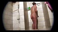 SHOWERROOM GIRL