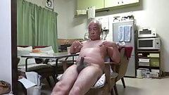 Japanese old man Good feelings man even Touching the nipple