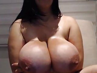 Latin curvy mom play with her huge boobs