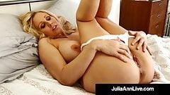 Beautiful USA Milf Julia Ann Masturbates With Glass Dildo!