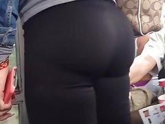 Ass in black leggins culito rico en leggins Thumbnail