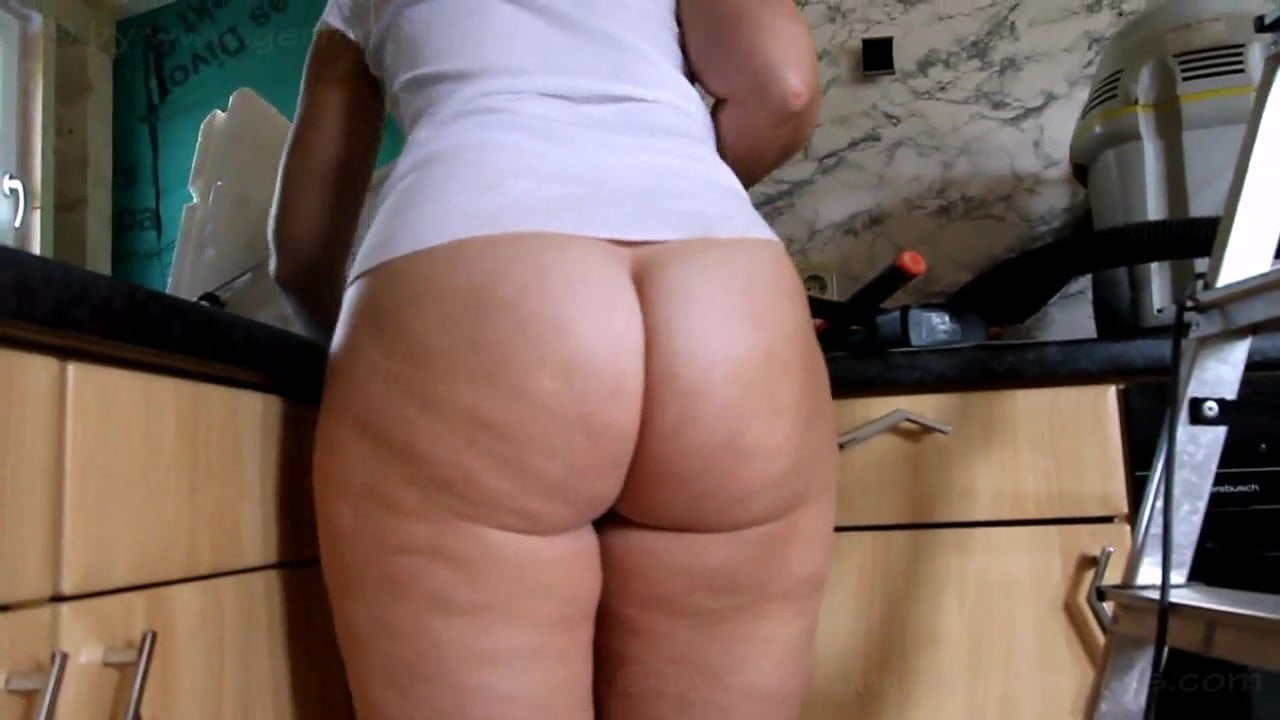 Fat Ass Pawg Cleaning The Kitchen Bottomless Free Porn 10-5174