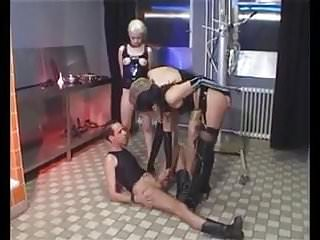 Bea Schnuckel - A very Dirty Girl - Piss Scene