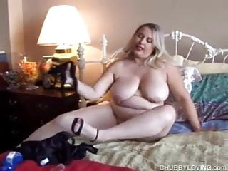 Sexy chubby amateur with lovely big boobs shows you just how