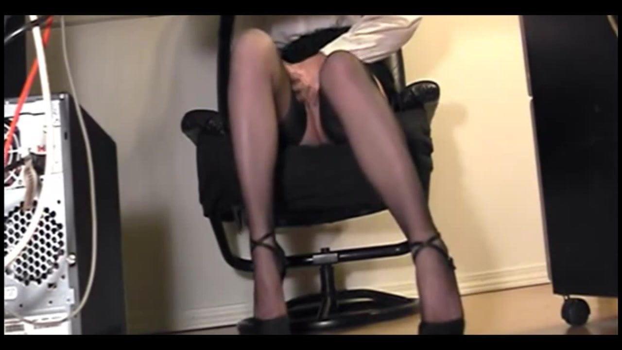 Порно Веб Камера Под Столом