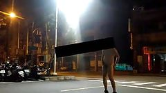 Dare to showoff and cum on the street