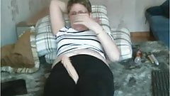Old Lady teases in leggings th