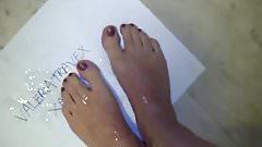 I cum on my feet