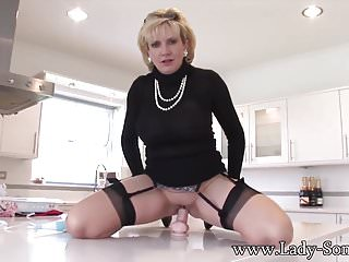 Gratis blonde MILF porno Videos