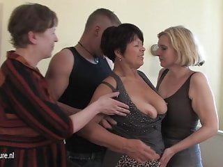 3 cockhungry mature mothers got served by young boy