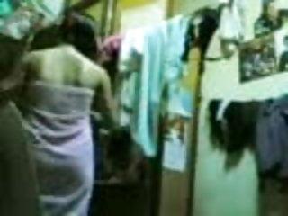 Download video bokep Hidden Cam - Intip Yanti Abis Mandi Mp4 terbaru