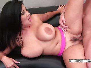 Mature Slut Jaylene Rio Is Getting Her Latina Twat Stuffed