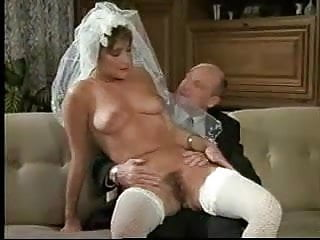 Download video bokep Eine Verdammt Heisse Braut (Uschi Carnat) 1 Mp4 terbaru