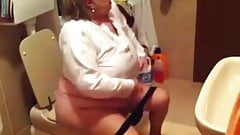 Granny in the wc