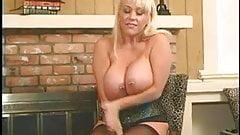 Curvaceous lesbian chick masturbates