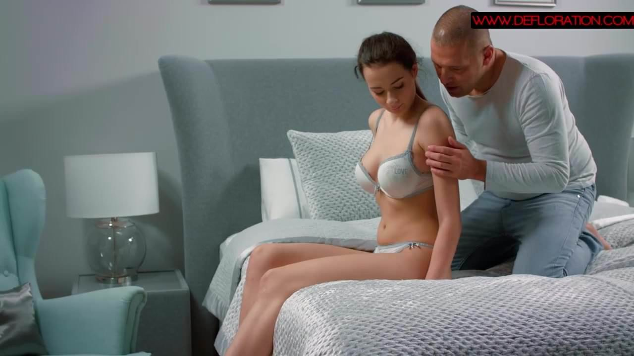 Hot sex scene between a sexy virgin and prof actor