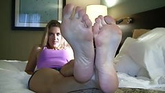 SEXY BLONDE FEET ACTION