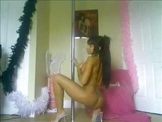 pole dancer flexes her hot ass hole