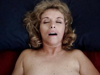 Hot cheating wife - Lisa loves it without a condom