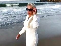 Kelly Myers BEACH BUM FUN teaser