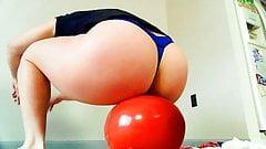 Ballon knallen - dicker Hintern