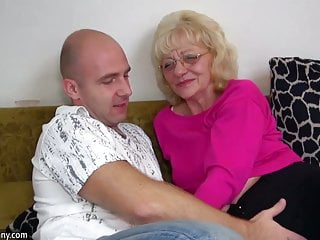 Download video bokep OldNanny Old granny is very very horny and wet Mp4 terbaru