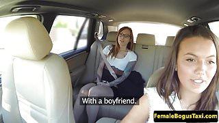 European taxi les pussylicking her passenger