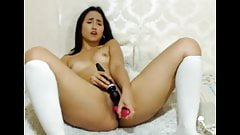 Kloe 18 (Kloe la Maravilla) has orgasms with her vibrator's Thumb