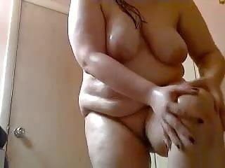 GinaMX Rubs On Oil After Shower
