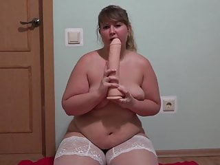 Sweet BBW and her dildos