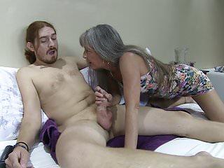 Lei's Motel Episode 17